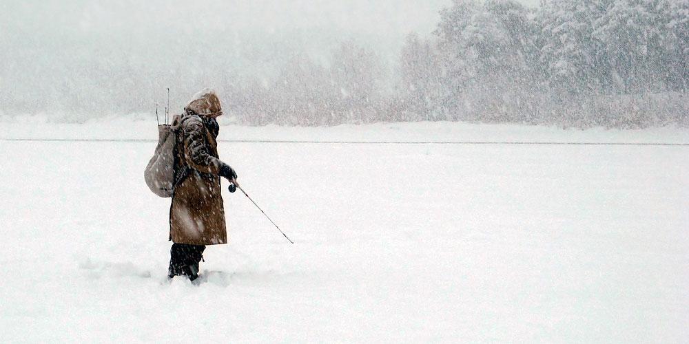 Фото рыбак в метель