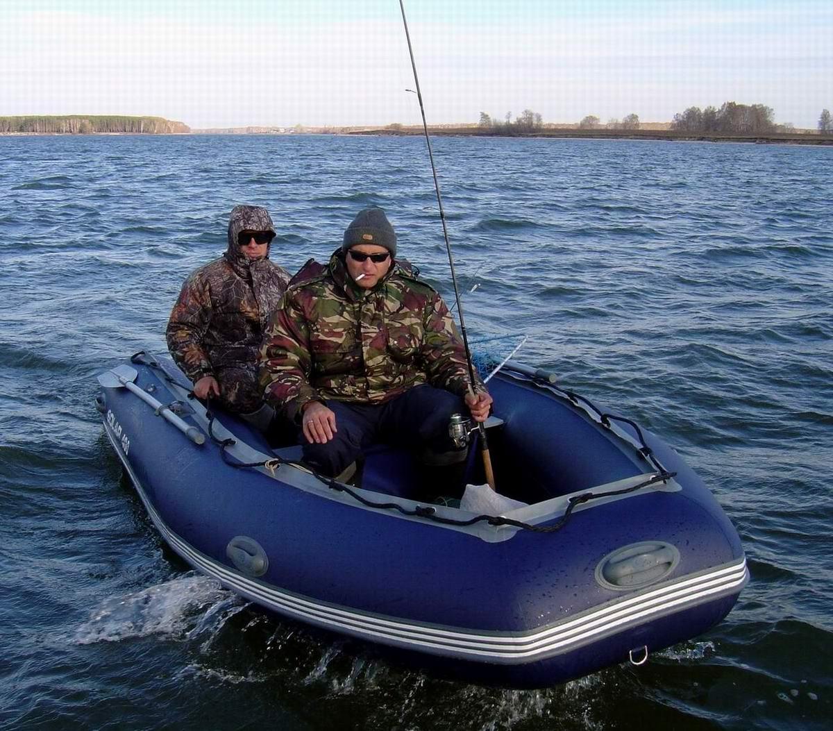 Спирино (ОВХ) Лодка Солар-400. Палыч (Игорь) на рыбалке. Автор P.Ch.