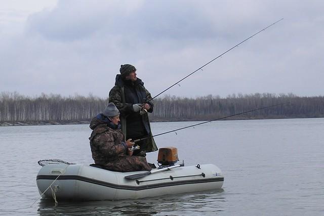 """р. Обь, лодка """"Кулик"""". Фамилии рыбаков слишком известны, что бы их озвучивать"""