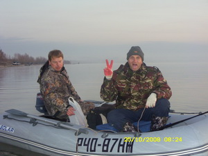 ОВХ, Насоска. На фото Палыч040 и P.Ch. Лодка Солар-350М. Мотор Tohatsu 9,8
